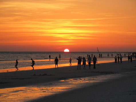 [sunset at siesta key beach -- 7:54pm, april 18th, 2003]