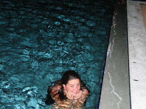 [picture: kim in the pool]